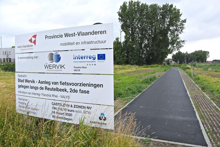 Het einde van het fietspad langs de Reutelbeek.