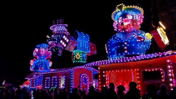 Uitslag & video | Toy Story van de Dûrzetters wint verlichte optocht ...
