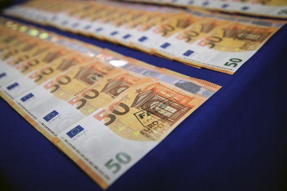 De bende zou 26.000 valse briefjes van 50 euro afgedrukt hebben.