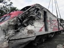 'U moet sterk zijn!' Taiwan rouwt om slachtoffers van dodelijke treincrash