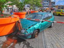 Automobilist rijdt terras op in Veldhoven, vijf gewonden
