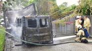 Brand aan bestelwagen onder carport ontstond accidenteel