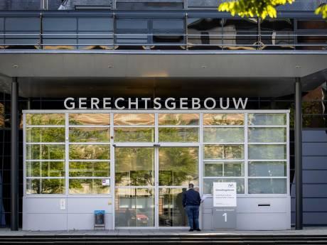 Man (32) die onder zijn eigen poep zat randde vrouw aan in Hooglanderveen, slachtoffer wekenlang kotsmisselijk
