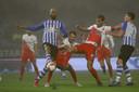 Het moment dat Willem Janssen geblesseerd raakt, uit bij FC Eindhoven.