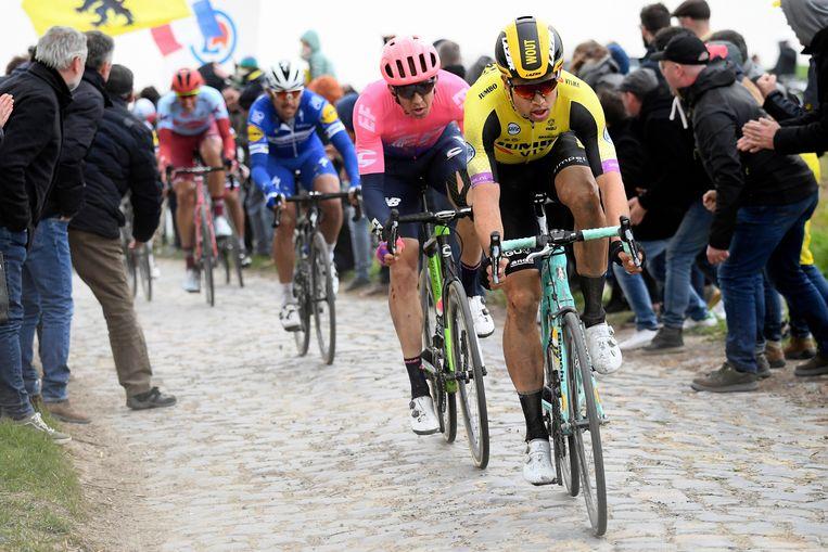 De renners moeten dit jaar in Parijs-Roubaix 55 kilometer over de kasseien dokkeren.