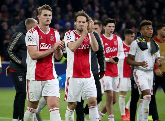 Een deel van de Ajax-spelers na het duel met Juventus.