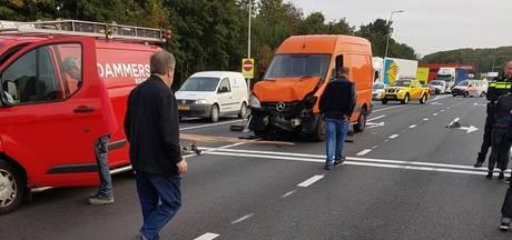 Gewonde bij botsing in ochtendspits op Hartelweg Spijkenisse