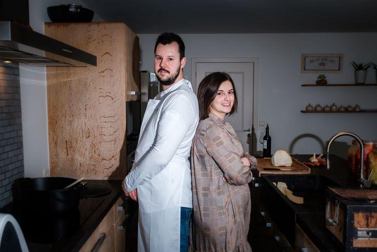 Anthony Stoop en Julie Van Gool komen thuis of op een andere locatie koken met hun nieuwe concept Schranzen.