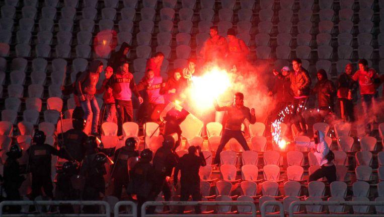De rellen braken uit na de wedstrijd van de plaatselijke club Al-Masry tegen Al-Ahly Beeld null