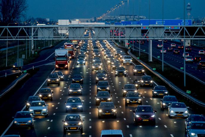 Steeds minder Nederlandse automobilisten zien nog toekomst in benzine- en dieselmotoren.