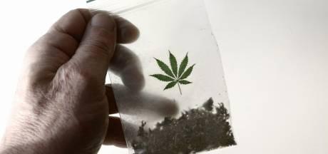 Oldenzalers vanwege drugs terecht uit koopwoning gezet