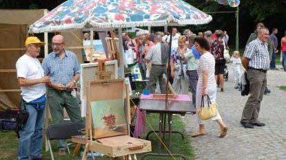 Kunstmarkt Montmartre viert tienjarig jubileum in Hof ter Saksen