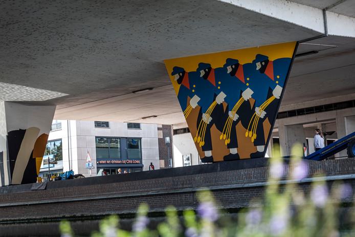 De Van Gogh-mural onder de Traversebrug in het centrum Helmond