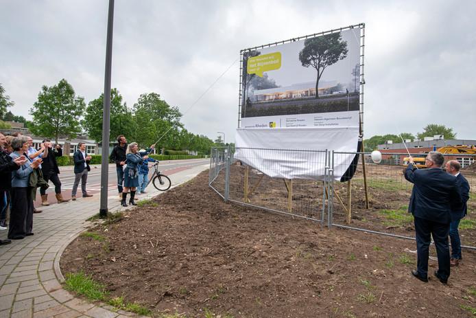 Onthulling van de naam van het nieuwe zwembad in Velp.