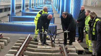 Niet alleen spoorlijn 124 maar ook stations Sint-Genesius-Rode en Linkebeek worden gemoderniseerd