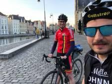 """Vrienden fietsen elke straat binnen de stadsring af, goed voor 185 kilometer: """"Volgens de coronaregels en met social distancing"""""""