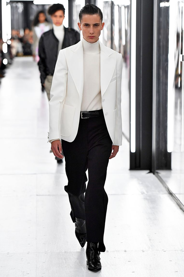 Model tijdens de show van Louis Vuitton. (Paris Fashion Week Womenswear Spring/Summer 2019)  Beeld Gamma-Rapho / Getty Images