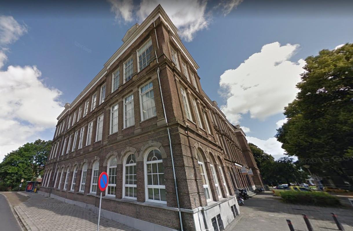 IJsselheem zoekt financiers om de voormalige HBS in Kampen om te kunnen bouwen naar een complex met zorgwoningen.