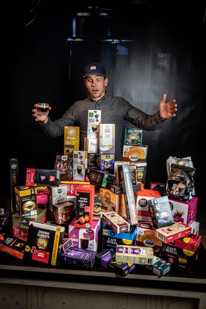 Jeroen Brugman (38), brander, barista en vat vol koffiekennis van Ikigai Coffee. Pioniert momenteel met Gold Brew, een koude koffie voor sporters waarin een paddenstoel verwerkt is.