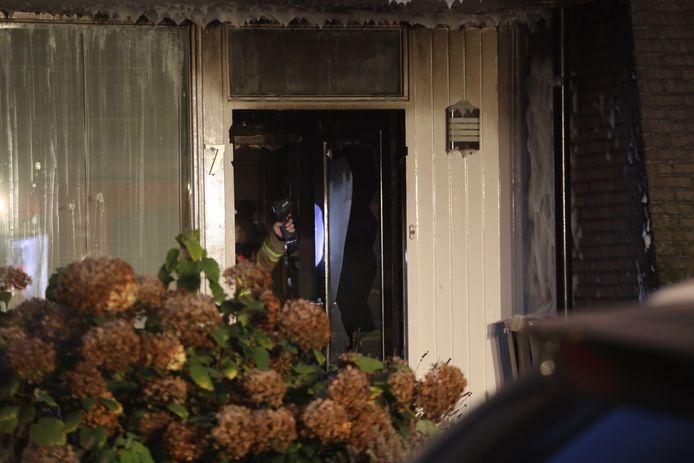 Felle brand verwoest meterkast van woning aan de Bernhardstraat in Sint-Oedenrode.