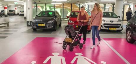 Corona-angst? Bezoeker van Utrechtse binnenstad pakt steeds vaker de auto