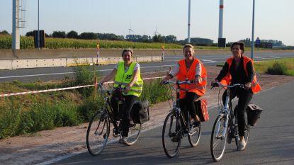 """Minister belooft maatregelen tegen fileleed bij werken R4: """"Meer op de fiets en de trein betekent minder in de file"""""""