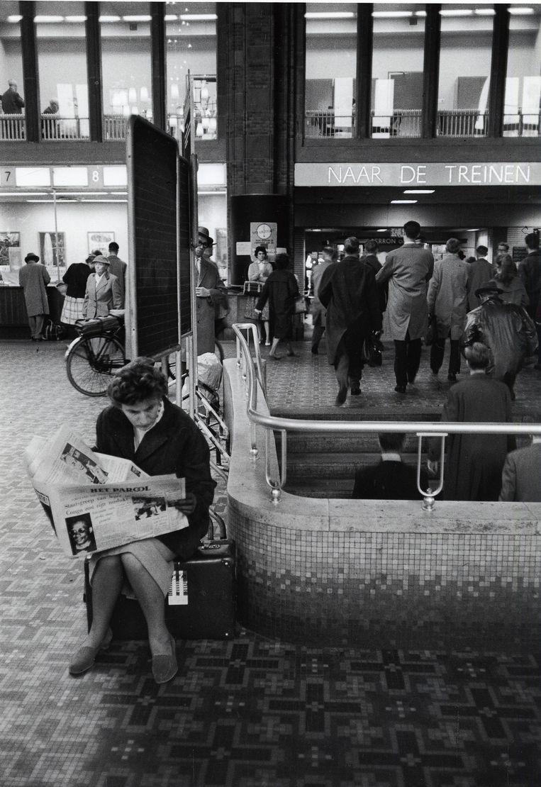 Het Centraal Station in 1960. Beeld Jutka Rona/Stadsarchief