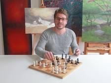 Haagse kunstenaar verzint nieuw schaakspel