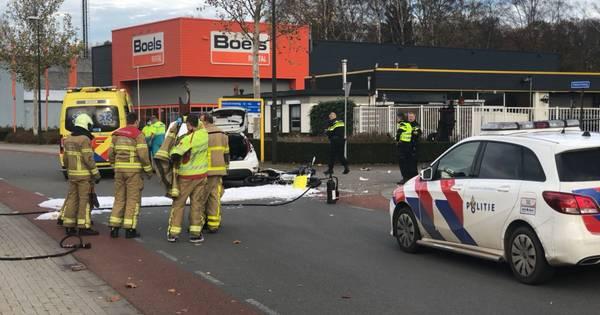 Motorrijder zwaargewond bij aanrijding met auto in Winterswijk.
