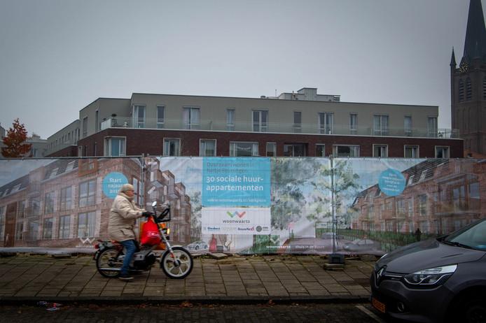 Op het Kerkplein in Beuningen worden binnenkort dertig sociale huurappartementen gerealiseerd.