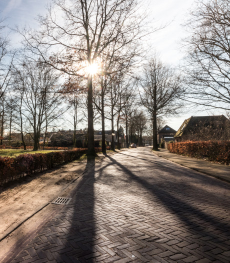 Inwoners Waalre tegen afsluiting Werenfriedstraat