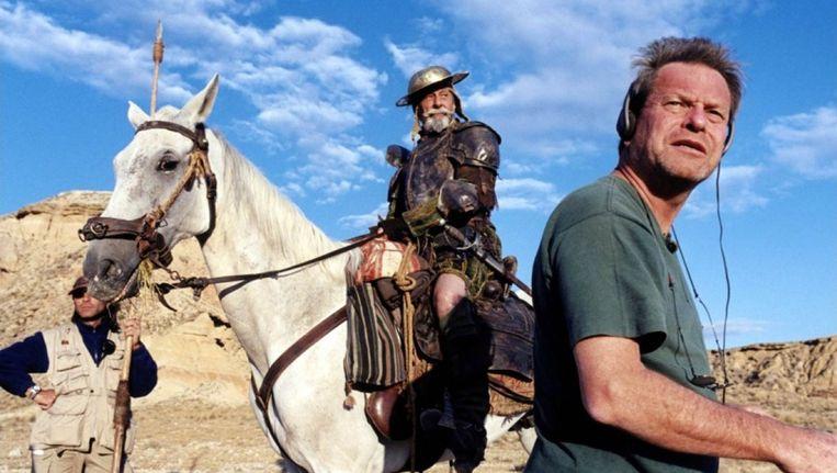 Terry Gilliam tijdens de opnames van The man who killed Don Quixote. Beeld AD