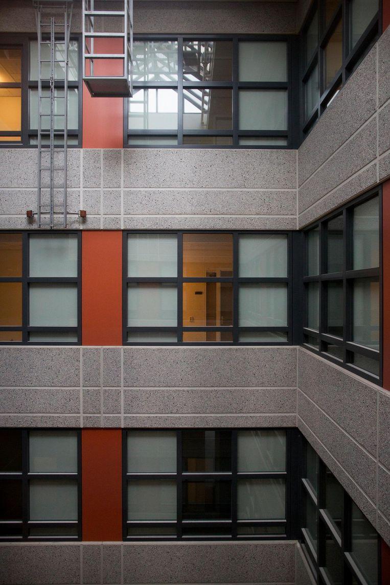 Het ROC-gebouw waar vooral Oost-Europeanen wonen Beeld Elmer van der Marel