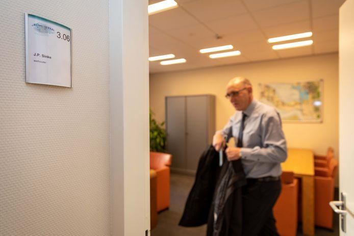 Wethouder Jaap Sinke beleeft dinsdag zijn laatste werkdag als wethouder van de gemeente Reimerswaal.