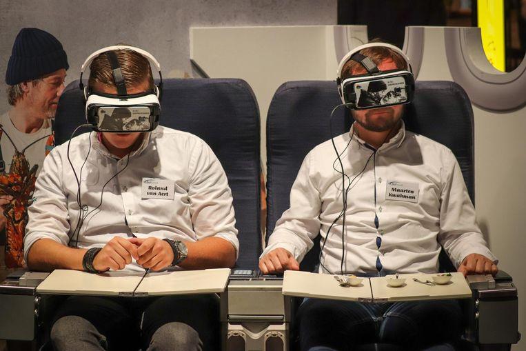 Bij Bidfood kun je eten en virtual reality combineren. Beeld Bas Lievens