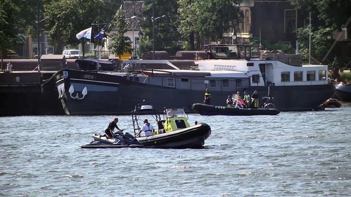 De zoektocht naar de vermiste asielzoeker op de IJssel bij Kampen.