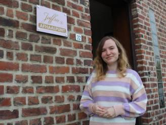 """Ellen Leuckx (31) baat kledingwinkel 'Juffra' in eigen inkomhal uit: """"En binnenkort opent de eerste kleine zaak in Ninove"""""""
