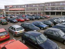 Raad Oldenzaal stemt in met pilot voor uur gratis parkeren in binnenstad