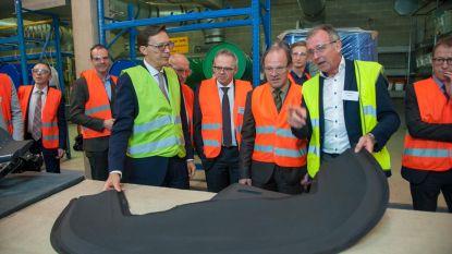 Minister Muyters brengt bezoek aan innoverend Recticel