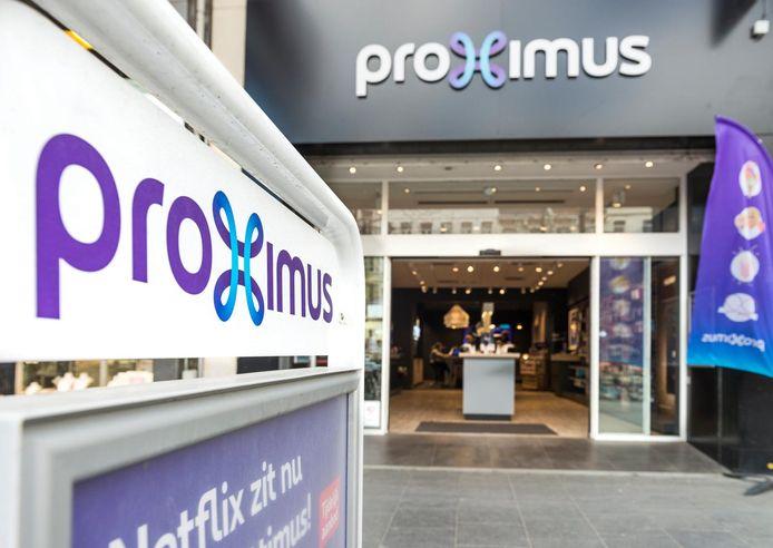 Les boutiques télécom peuvent rouvrir mais uniquement pour les urgences, en ne recevant qu'un seul client à la fois et ce, sur rendez-vous.