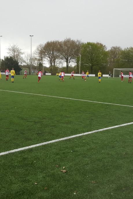 Spektakel in topper tussen FC De Bilt en Delta Sports'95