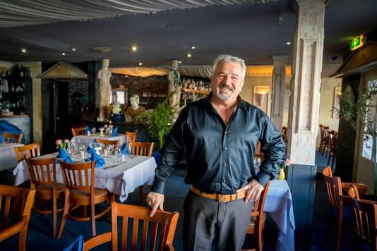Eigenaar Jorgos Zagkotsis  van Grieks restaurant Delphi.
