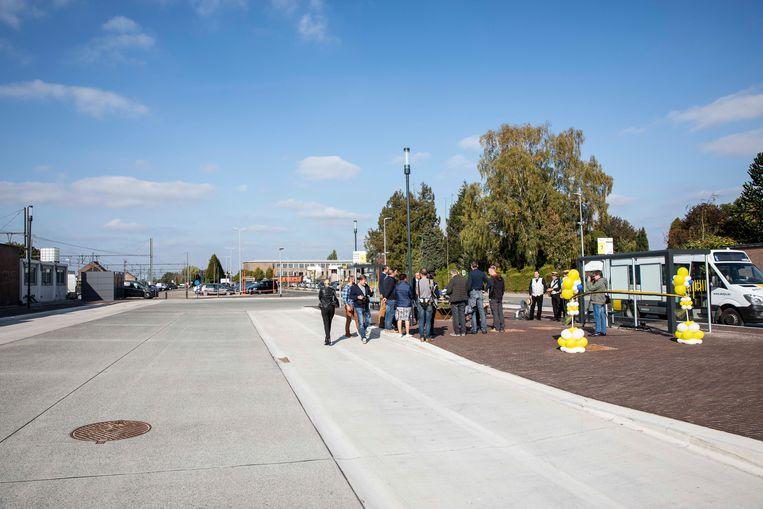 Het vernieuwde busstation werd donderdag ingehuldigd.