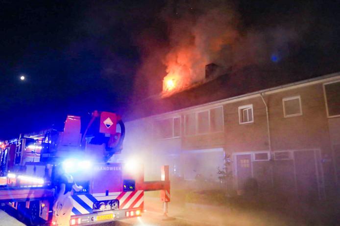Uitslaande woningbrand in Deurne.