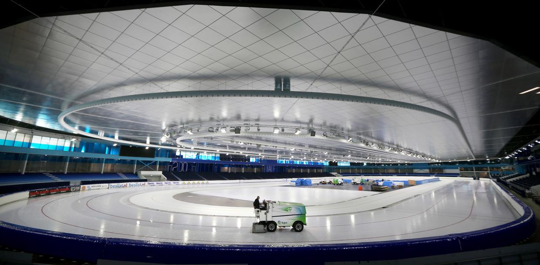 Het ijsstadion Thialf in Heerenveen.  Beeld HH