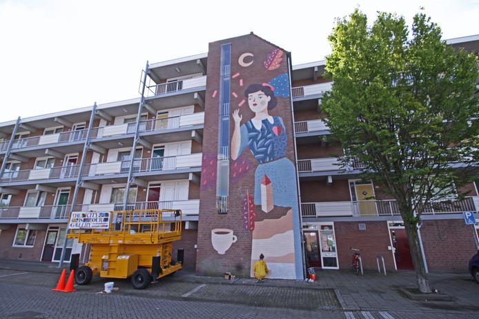 De muurschildering van de Blind Walls Gallery in de Middellaan in Breda.