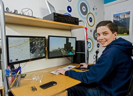 Jaron Hoste brengt menig uurtje door achter zijn pc. Hij is gek van Minecraft en besloot Rotterdam na te bouwen.