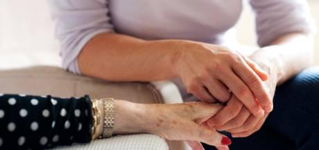 Jongeren niet te porren voor baan in thuiszorg: 'Vak heeft stoffig imago'