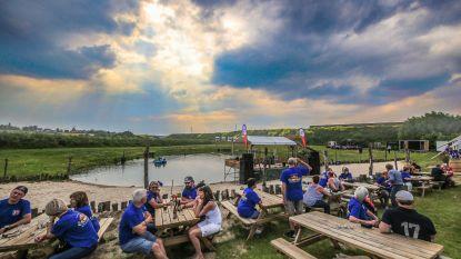 300 mobilhomes op tijdelijke camping voor verjaardag Vanomobil