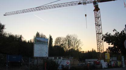 Vakbond klaagt aan: arbeiders op werf nieuw cultuurhuis Steenberg verdienen geen minimumloon